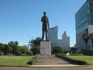 Statue of Abraham Lincoln in Tijuana